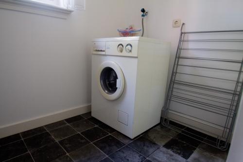 Bijkeuken incl. wasmachine 't Feintshus
